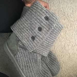 Grey classic cardy UGG boots
